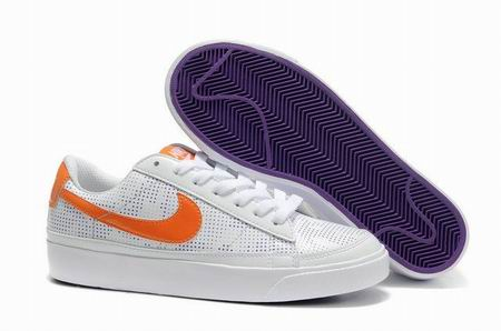 women Low Top Nike Blazers-004