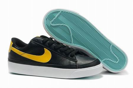 women Low Top Nike Blazers-005