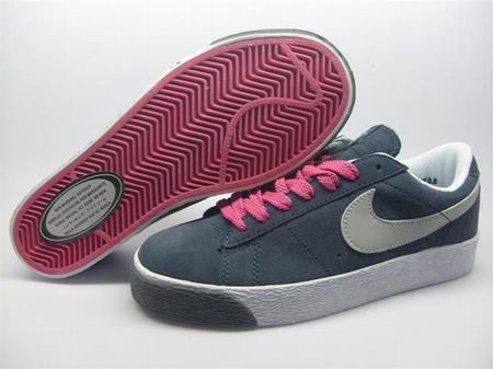 women Low Top Nike Blazers-012