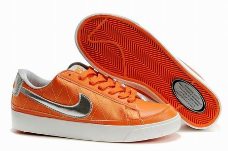 women Low Top Nike Blazers-015