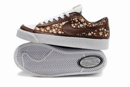 women Low Top Nike Blazers-016