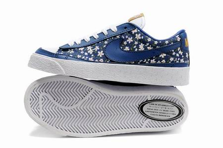 women Low Top Nike Blazers-017