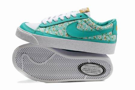 women Low Top Nike Blazers-018