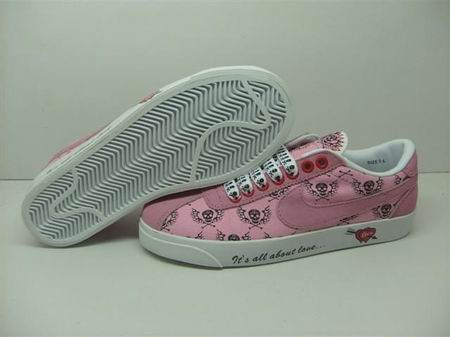 women Low Top Nike Blazers-021