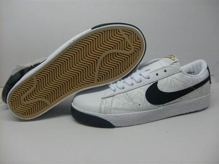 women Low Top Nike Blazers-023
