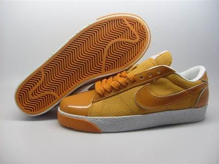 women Low Top Nike Blazers-024