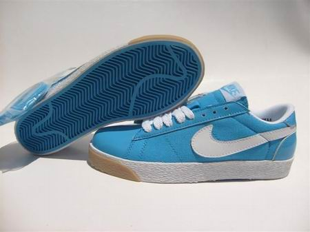 women Low Top Nike Blazers-025